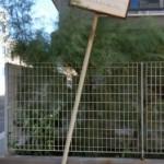 Palo divelto indicante la Via Mogadiscio