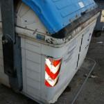 Contenitore rotto in Via Lorenzo Perosi