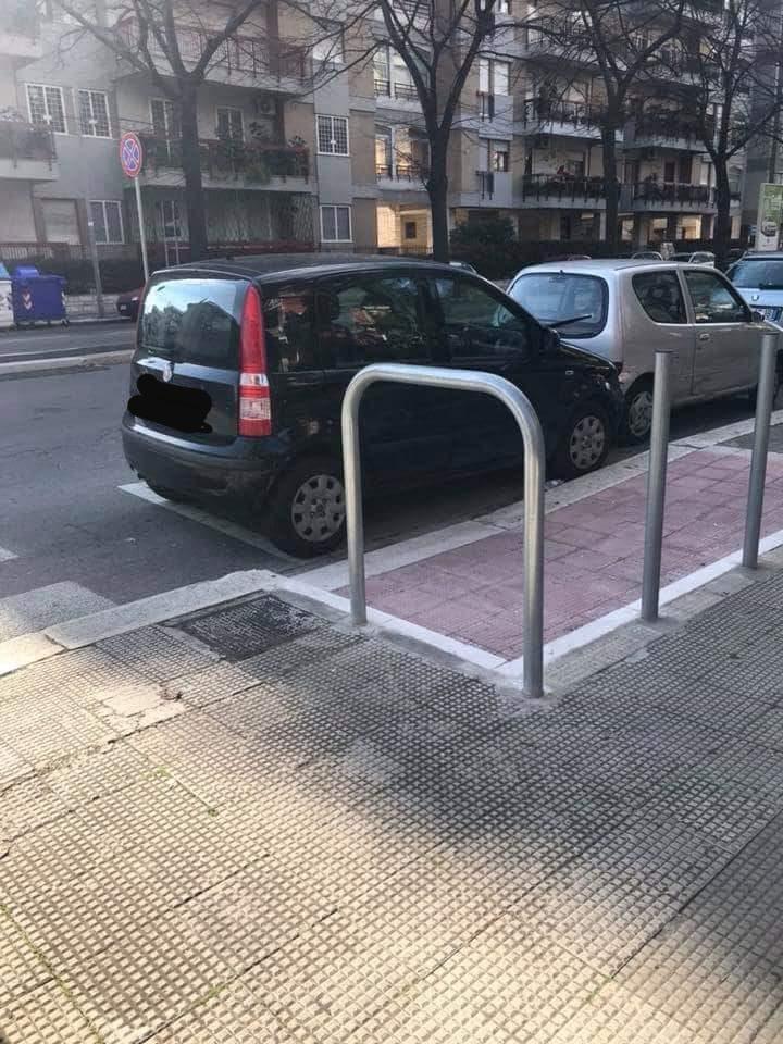 Scivolo per disabili no-sense realizzato in viale Kennedy
